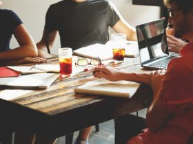 目前最适合上班族和大学生兼职的挣钱项目有哪些呢?